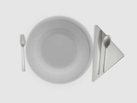 Dutchie-mesh-food-couvert-for-one-plates-utensils